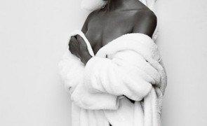 naomi campbel toalha